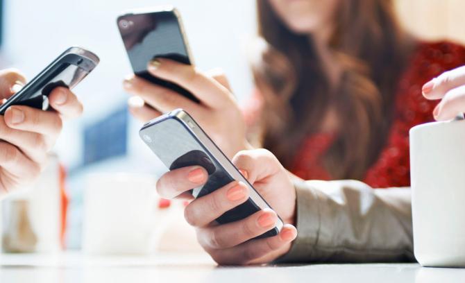 Polonia lucrează la o aplicaţie de smartphone care să ajute la urmărirea persoanelor ce au intrat în contact cu cei infectaţi cu noul coronavirus