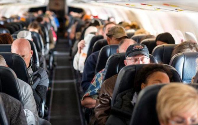 Rusia a anunţat vineri că îşi suspendă toate zborurile către şi dinspre ţară