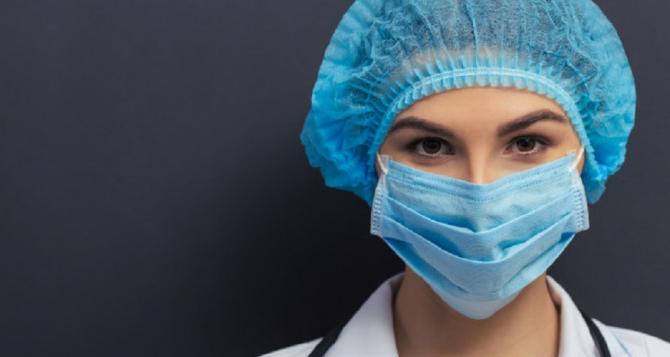 Potrivit comunicatului Grupului de Comunicare Strategică, pe teritoriul României există 43.457 de cazuri confirmate cu infecție cu noul coronavirus sunt în izolare la domiciliu, iar 12.527 de persoane se află în izolare instituționalizată.