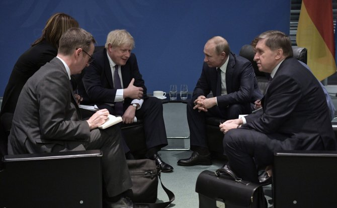Boris Johnsons și Vladimir Putin