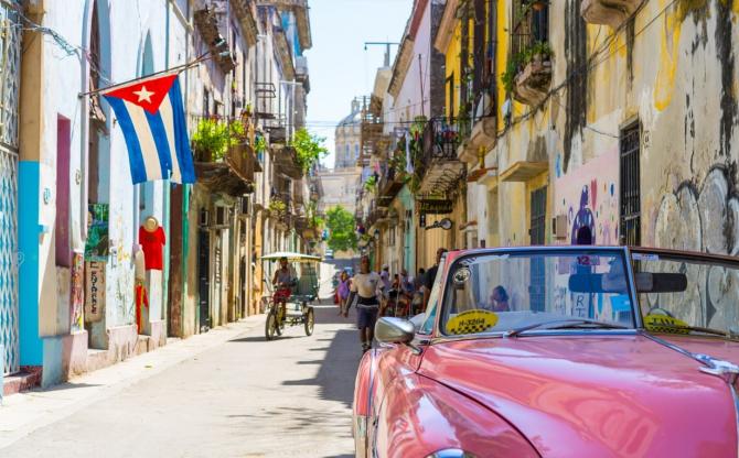 Vor fi tot mai puține legături aeriene cu Cuba