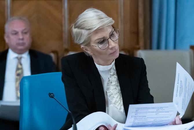 Raluca Turcan. Cu cât vor crește SALARIILE românilor în 2021
