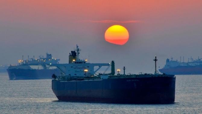 Transportul petrolului prin Strâmtoare Hormus este pus sub semnul îtrebării