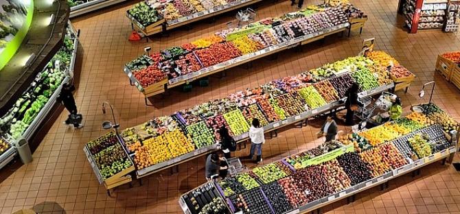 Legumele și fructele importate conțin reziduuri de pesticide