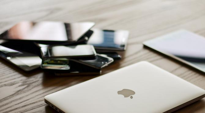 Plângeri ÎMPOTRIVA Apple! Ce s-a întâmplat