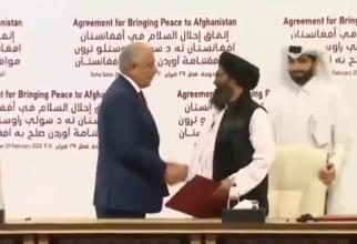 Combatanţii noştri nu vor fi niciodată de acord cu o prelungire a staționării trupelor americane, a spus purtătorul de cuvânt al talibanilor, Zabihullah Mujahid