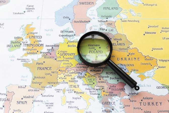 Polinia este prima piață emergentă care se împrumută la dobânzi negative