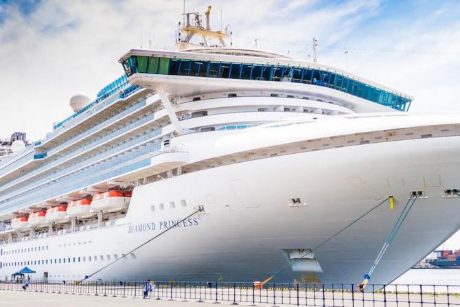 Un român de pe nava Diamond Princess s-a îmbolnăvit de coronavirus