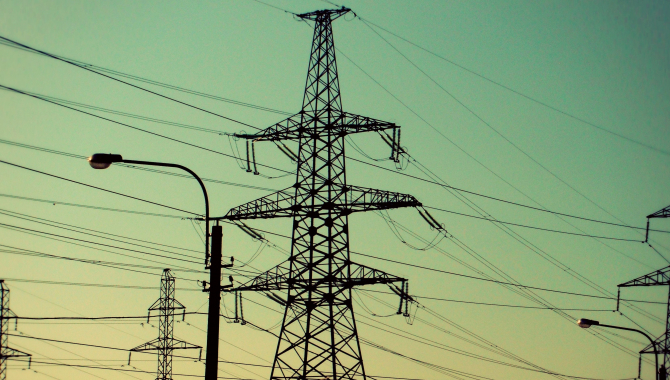 România a fost, anul trecut, importator net de electricitate, în condiţiile în care importurile s-au majorat cu 74%