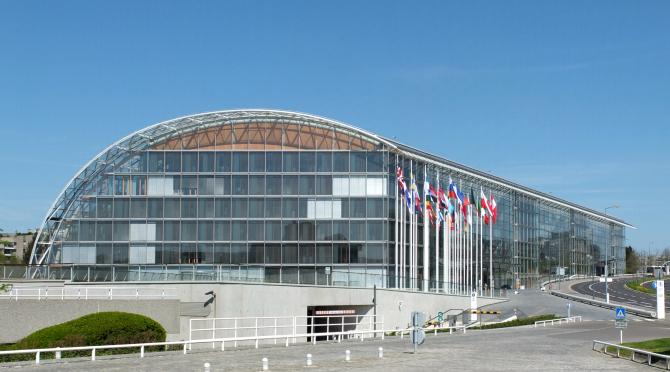 Banca Europeană de Investiţii (BEI) nu va mai finanţa proiecte privind producerea de energie din combustibili fosili