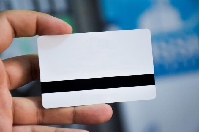 Cartile de identitate electronice vor oferi o mai multe beneficii celor care le vor detine