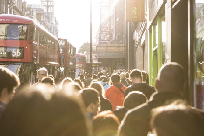 Cel puțin 500.000 de români trăiesc la ora actuală în UK