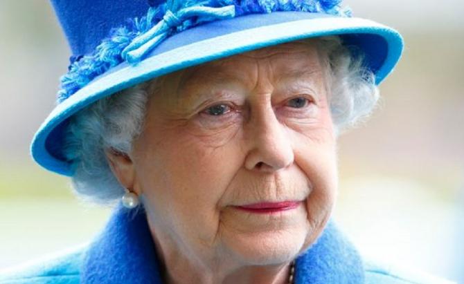 Regina Elisabeta în CĂDERE! Ce s-a întâmplat cu Suverana