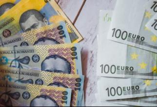 Moneda naţională s-a apreciat marţi în raport cu euro