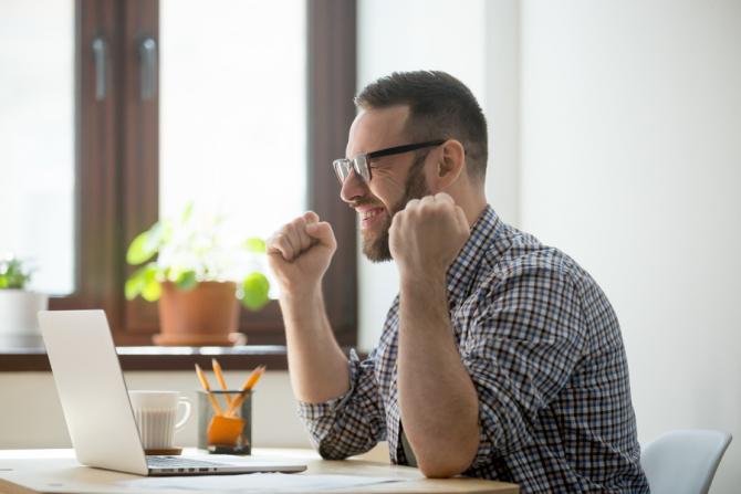 Cele trei companii oferă multe avantaje angajaților