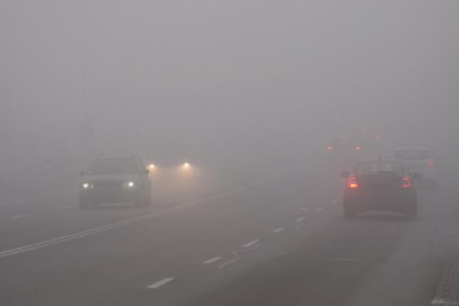 Ceața creează probleme în mai multe județe și în București