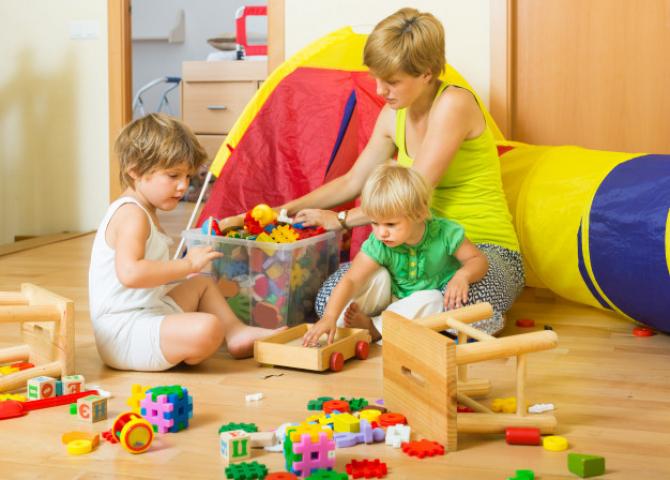 Părinții pot obțide bani de la stat pentru bonă