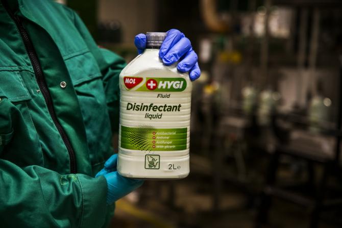 MOL produce dezinfectanți pentru mâini și suprafețe