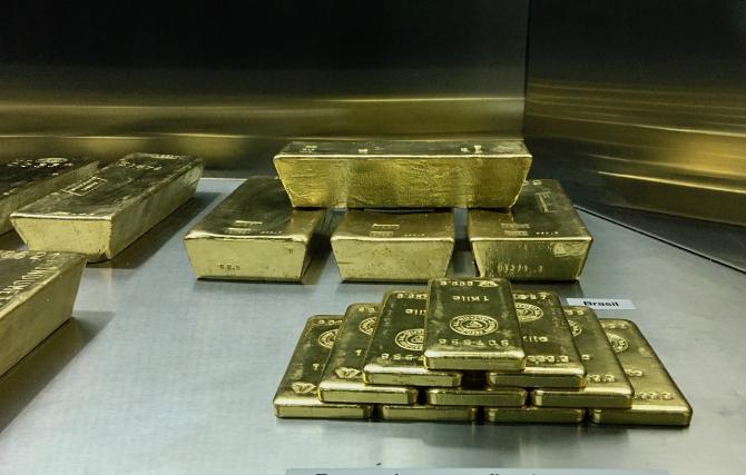 Aurul ar putea reprezenta un activ mai sigur şi mai stabil în următoarea perioadă