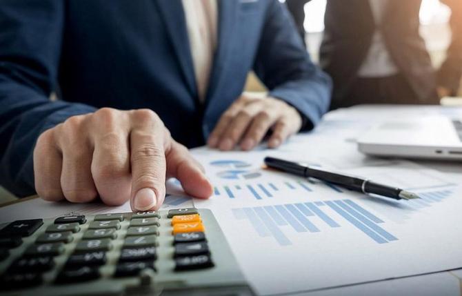 Măsurile privind condiţiile de creditare necesită mai multă atenţie, pentru că anumite business-uri şi persoane nu îşi vor putea achita ratele