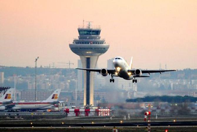 Cele 12 state membre ale Uniunii Europene susţin că transportatorilor aerieni ar trebui să li se permită să ofere în schimb vouchere pentru zboruri ulterioare