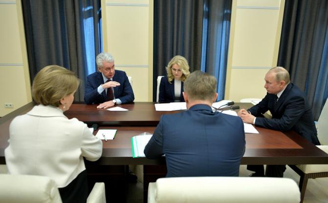 Serghei Sobeanin i-a expicat lui Vladimir Putin că de fapt sunt mult mai multe îmbolnăviri decât arată cifele oficiale