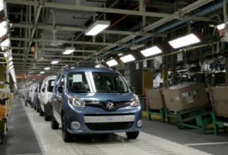 Grupul auto francez Renault a indicat că, dintre cele 4.600 de locuri de muncă ce urmează a fi eliminate în Franţa