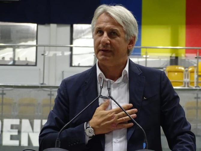 Teodorovici, ÎNFURIAT: Cum ne-a furat Ludogrinch, CRĂCIUNUL