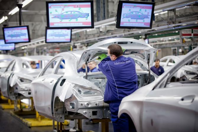 Daimler recheamă la SERVICE 2,6 milioane de mașini Mercedes-Benz