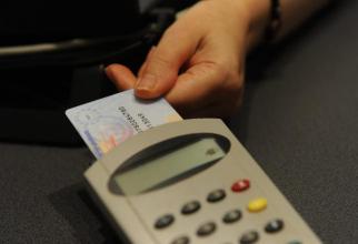 Cardul național de asigurări de sănătate nu va fi folosit până la data de 30 septembrie în asistența medicală primară