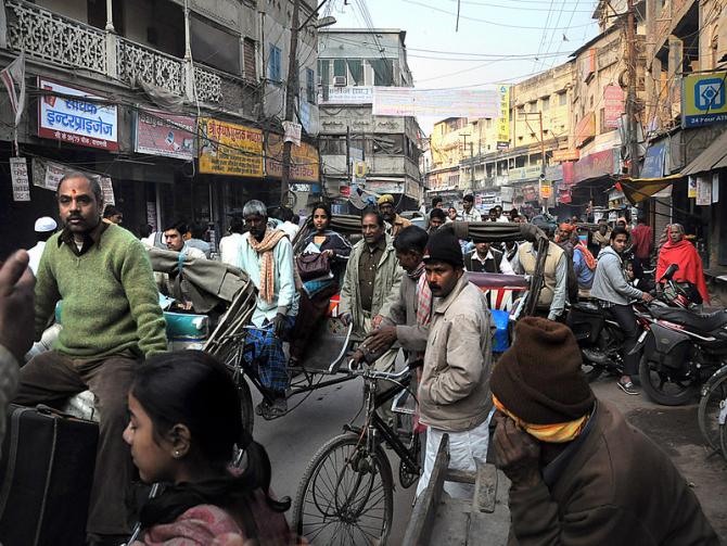 Mumbai are o populație egala cu cea a României