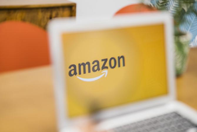 Amazon, prima companie care va livra pe calea aerului