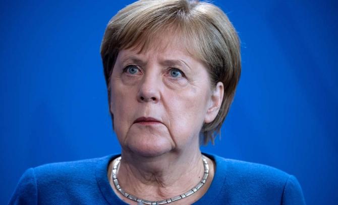 Cancelarul german Angela Merkel a declarat luni că pandemia de coronavirus va fi depăşită mai repede dacă lumea colaborează pentru a o combate