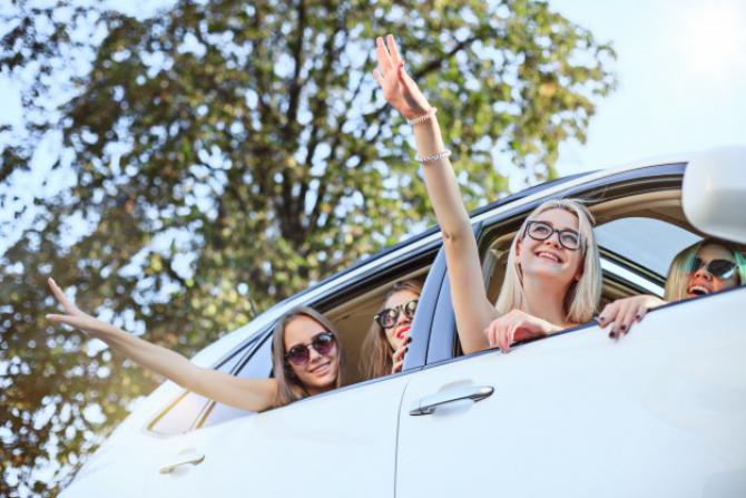 Numărul persoanelor care pot călători în același autoturism nu este clar definit