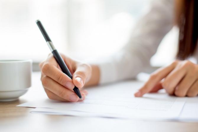 Decarația pe proprie răspundere poate fi scrisă și de mână