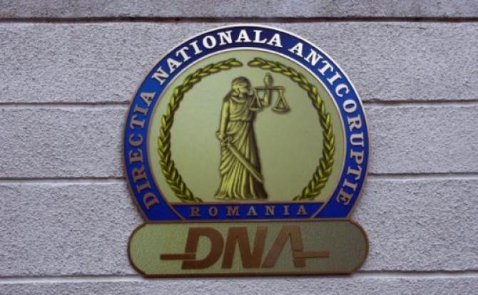 DNA a arestat preventiv un bărbat care a încercat să mituiarcă un director Romgaz / Foto: Oana Pavelescu