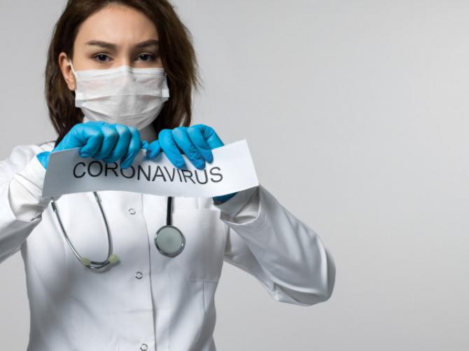 Experţii însărcinaţi cu consilierea Uniunii Europene în materie de sănătate au subestimat riscul reprezentat de noul coronavirus