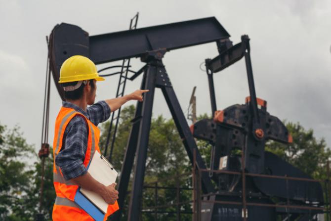 Pretul petrolului crește în continuare