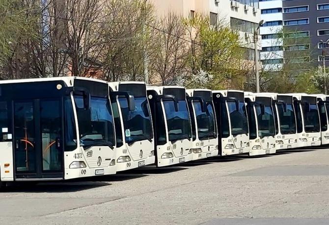 Primarul Capitalei, Gabriela Firea, a anunţat că autobuzele vechi ale STB vor fi transformate în autobuze propulsate cu gaz natural comprimat