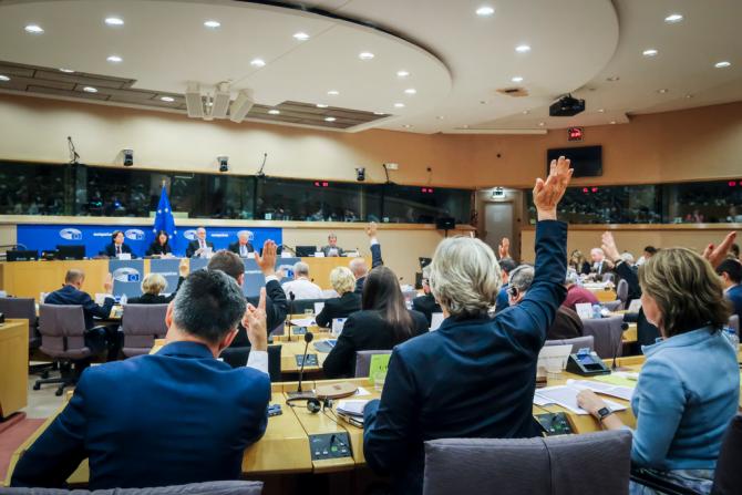Uniunea Europeană vrea ca toată lumea să aibă acces la vaccinuri