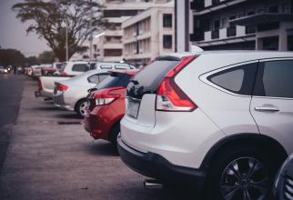 Proprietarii por rămâne fără mașini chiar dacă acestea sunt parcate