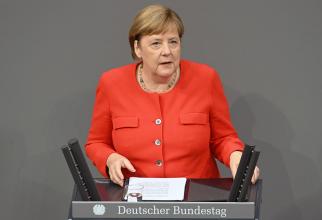 Angela Merkel PUSĂ LA ZID de jurnaliști! Ce întrebare a pus-o în DIFICULTATE