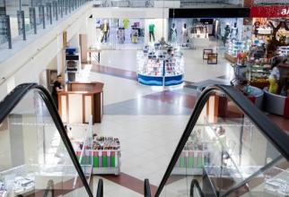 Redeschiderea mall-urilor a readus la lucru majoritatea celor 1,2 milioane de angajaţi care îşi desfăşoară activitatea în retail