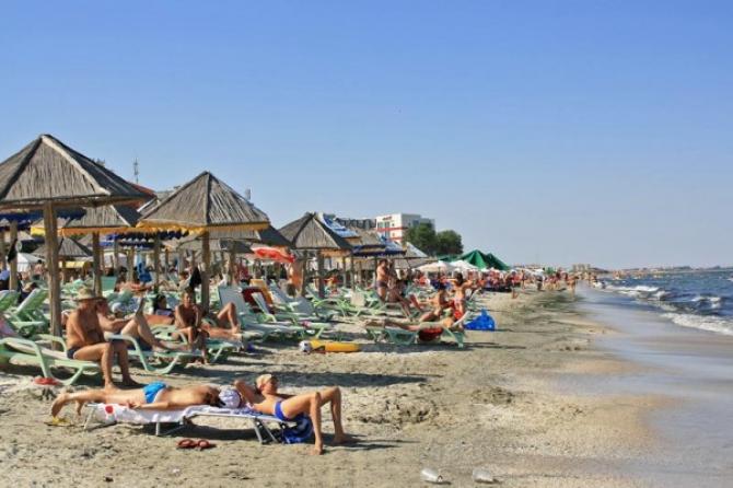 Majoritatea românilor nu se grăbesc să facă rezervări