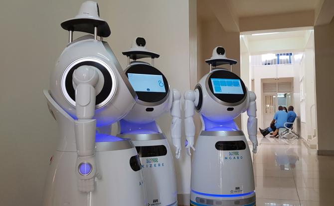 Cercetători danezi au dezvoltat un robot complet automatizat care poate recolta probe pentru depistarea coronavirusului