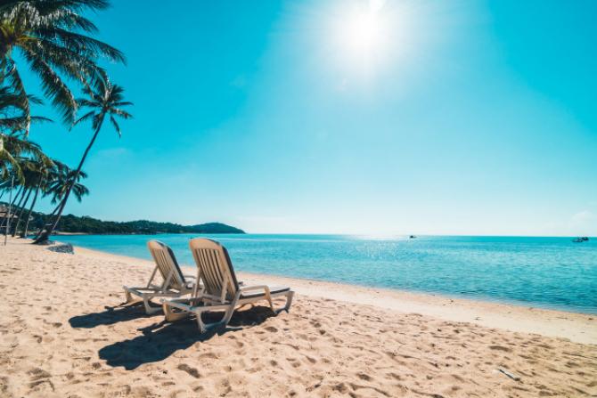 Sunny Beach, cea mai mare staţiune turistică de pe litoralul Bulgariei, renumită pentru viaţa sa de noapte şi plaja aglomerată, este ca un oraş fantomă