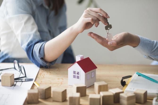 Credit imobiliar acum? Daniel Zamfir, TREI SFATURI ESENȚIALE pentru tineri