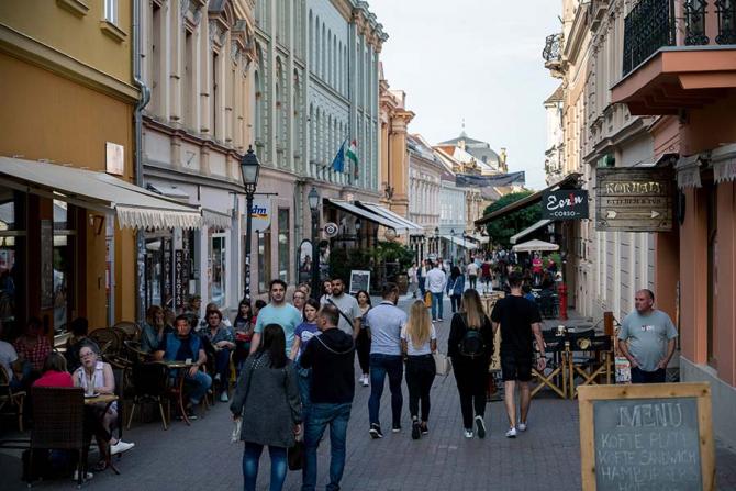 Tinerii din Ungaria și-au găsit refugiul împotriva crizei economice
