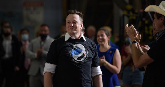 Miliardarul american Elon Musk vrea să construiască rapid o uzină în Germania,