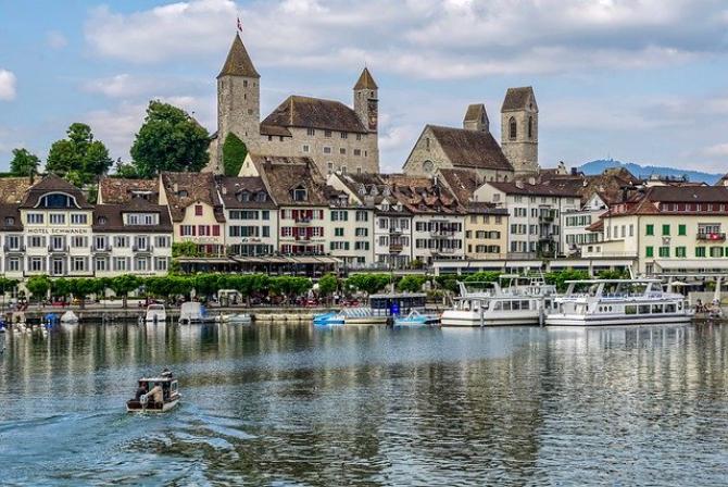 Elveția trebuie să iasă din confortul ei prăfuit deja, cred experții
